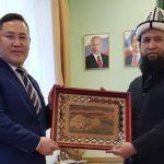 Муфтий мусульман Кыргызстана встретился с заместителем министра внешних связей и делами народов республики Саха