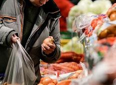 Удерживание товара и завышение цен